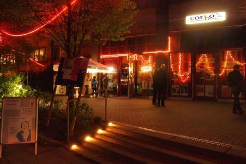 Corbo by night - Foto Carlo Wanka © BonMot-Berlin Ltd.